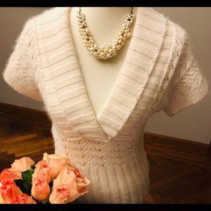 Ann Taylor cream V neck short sleeve angora S